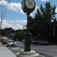 Leavenworth_Streetscape_Clock